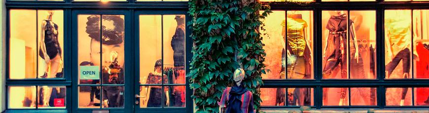 ¿Te gustaría trabajar como decoradora de tiendas y escaparates?